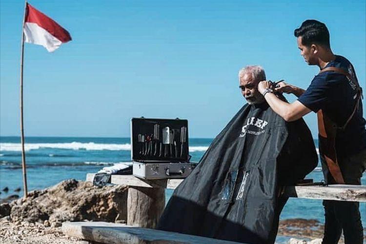 Mencari Akar Seni Pangkas Rambut Indonesia...