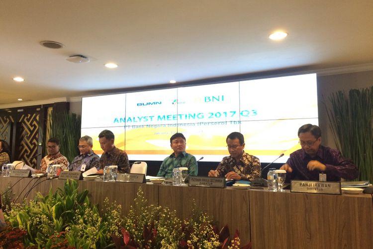 Direksi Bank Negara Indonesia saat memaparkan kinerja kuartal III 2017, di Kantor Pusat BNI, Jakarta Pusat, Kamis (12/10/2017).