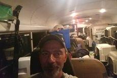 Badai Florence: Pria Ini Evakuasi Hewan Peliharaan Pakai Bus Sekolah