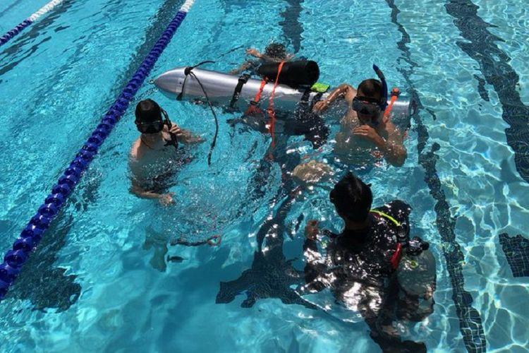 Elon Musk buat kapal selam untuk selamatkan para remaja Thailan yang terjebak di goa