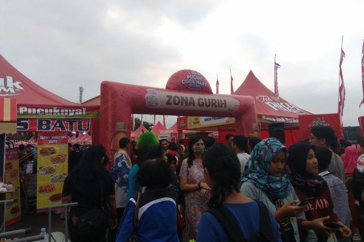Pucuk Coolinary Festival di Malang, Jawa Timur. Tiga zona untuk membagi lebih dari 100 stand makanan. Gurih, manis, pedas.