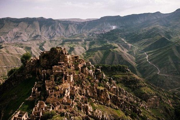 Pegunungan di  Republik Dagestan.
