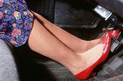 Berkendara Pakai Sandal Jepit Lebih Bahaya daripada Pakai 'High Heels'