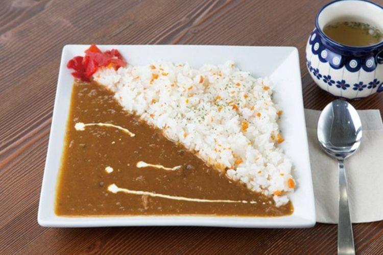 Izaemon Curry dengan sup (540 yen)