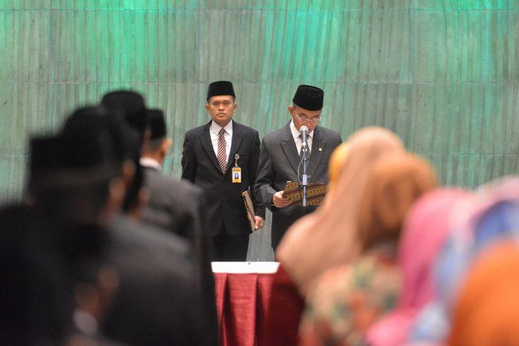 Menteri Pendidikan dan Kebudayaan Muhadjir Effendy merotasi 144 pejabat di Kementerian Pendidikan Kebudayaan di Jakarta, Rabu (6/9/2017)