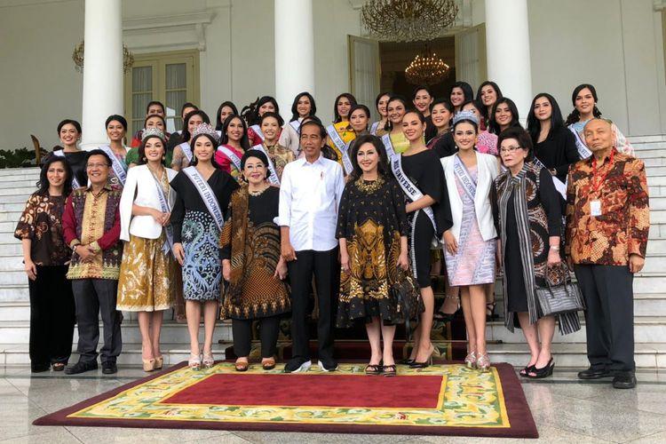 Presiden Joko Widodo menerima Putri Indonesia di Istana Bogor, Senin (11/3/2019).