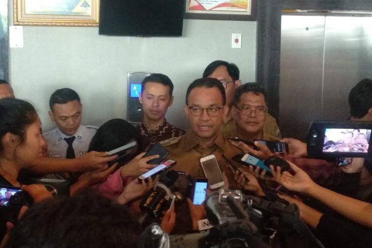 Gubernur DKI Jakarta Anies Baswedan di Kantor Bawaslu RI, Jakarta Pusat, Senin (7/1/2019).