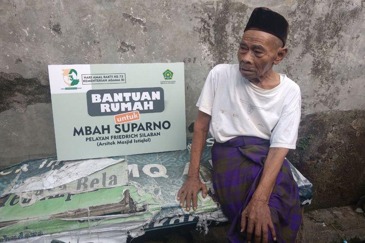 Mbah Suparno, pegawai Masjid Istiqlal yang dapat hadiah rumah dari Kementerian Agama ditemui di rumahnya di Kemayoran, Jakarta Pusat, Senin (7/1/2019).