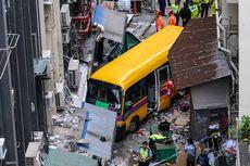 Bus Sekolah Melaju Tanpa Sopir dan Menaiki Trotoar, Empat Orang Tewas