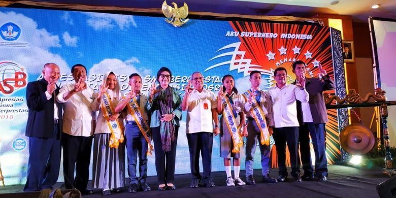 Pencanangan awal gerakan Saya Anak Anti Korupsi (SAAK) dan SeminarMilenial Melawan Korupsi (13/12/2018) sebagai salah satu rangkaian kegiatan Apresiasi Siswa Berprestasi (ASB) yang diadakan Kemendikbud, 13-16 Desember 2018 di Jakarta.