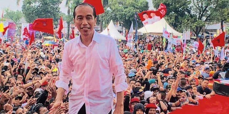 Guyuran Hujan Dihadapi Jokowi, Demi Tetap Bersama Rakyat