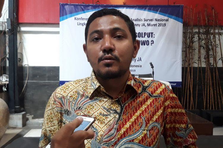 Peneliti LSI Ikrama Masloman dalam jumpa pers di Kantor LSI, Jakarta, Selasa (19/3/2019).