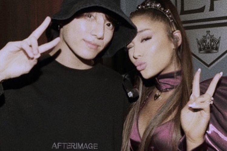 Ariana Grande berfoto dengan Jungkook BTS setelah konsernya di Staples Center, Los Angeles, AS.