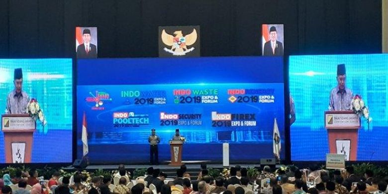 Wakil Presiden Jusuf Kalla saat menghadiri Indonesia Internasional Smart City Expo and Forum (IISMEX) Jakarta 2019, yang dihadiri pejabat dan kepala daerah, di JCC Jakarta, Rabu (17/7/2019).