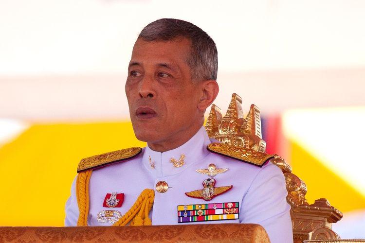 Raja Thailand Maha Vajiralongkorn resmi menerima warisan kerajaan Thailand sebesar 30 miliar dolar AS atau lebih dari Rp 422 triliun.