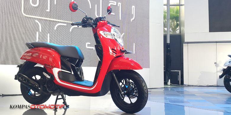 Honda Targetkan 55 000 Unit Scoopy Terjual Tiap Bulan Kompas Com