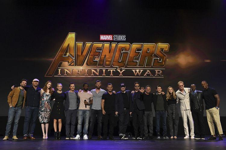 Para bintang yang akan tampil dalam film Avengers: Infinity Wars di panggung D23 Expo yang digelar di Anaheim, California, Sabtu (15/7/2017).
