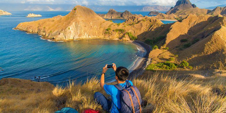 Milenial traveling ke Pulau Padar, Labuan Bajo, NTT