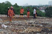 Asap Berbau Busuk Mengepul dari Dalam Tanah di Bintaro