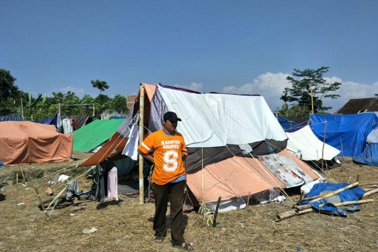 Salah satu tenda pengungsian korban gempa di Gunung Sari, Lombok. Foto diambil pada Senin (20/8/2018).