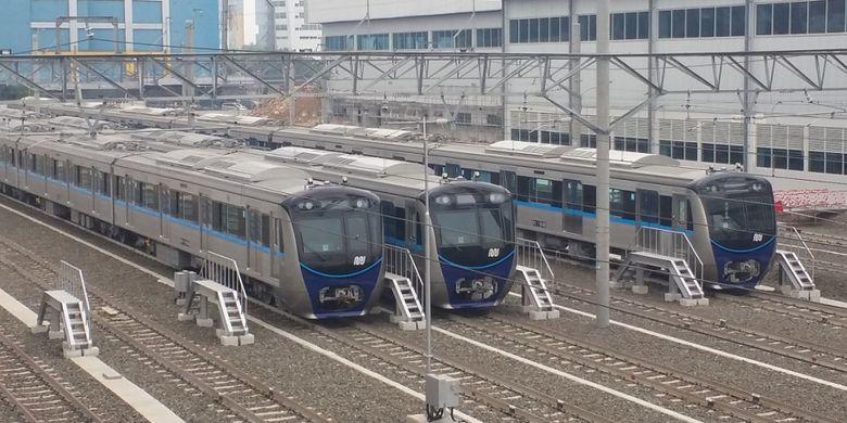 Rangkaian kereta MRT di Depo Lebak Bulus, Jakarta, Selasa (28/8/2018).
