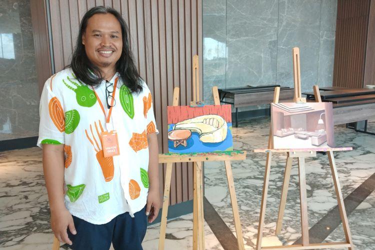 Seniman Eko Nugroho setelah memberikan workshop art class ke wisatawan di Yogyakarta Marriott Hotel, Yogyakarta, Jumat (9/3/2018).