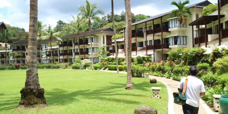 Resort di Club Med Bintan, berada di pinggir Pantai Lagoi, Bintan.