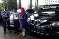 KPK Serahkan Dua Mobil Rampasan Koruptor untuk Kemenkumham