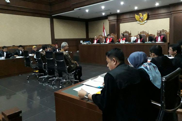 Gubernur Jawa Tengah Ganjar Pranowo di Pengadilan Tipikor Jakarta. Jumat (12/10/2017)