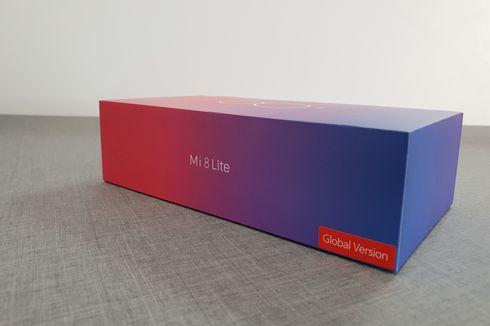 Melihat Isi Kemasan Xiaomi Mi 8 Lite