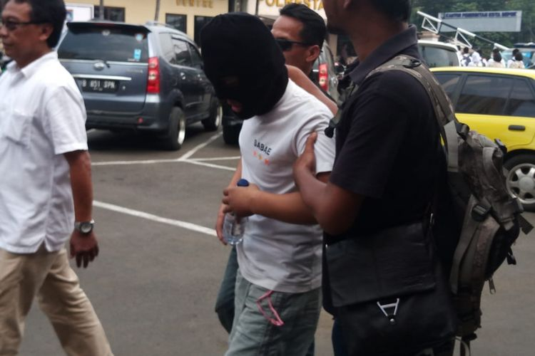 Polisi Amankan Pembobol ATM Perkapuran, Depok, Senin (23/7/2018).
