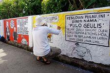 Puluhan Seniman Melukis 'Pulau' Bersejarah di Bogor