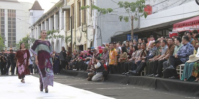 Pelaksanaan pertunjukan fashion show di Kota Semarang