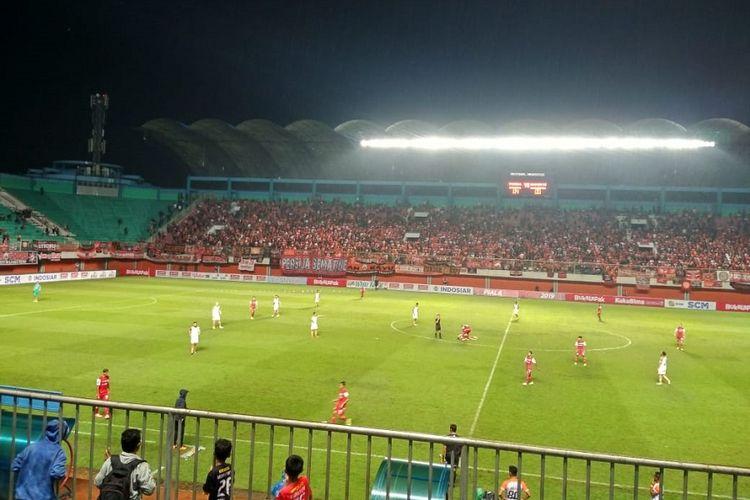 Suasana pertandingan antara Persija Jakarta vs Borneo FC di Stadion Maguwoharjo, Sleman, Selasa (5/3/2019).