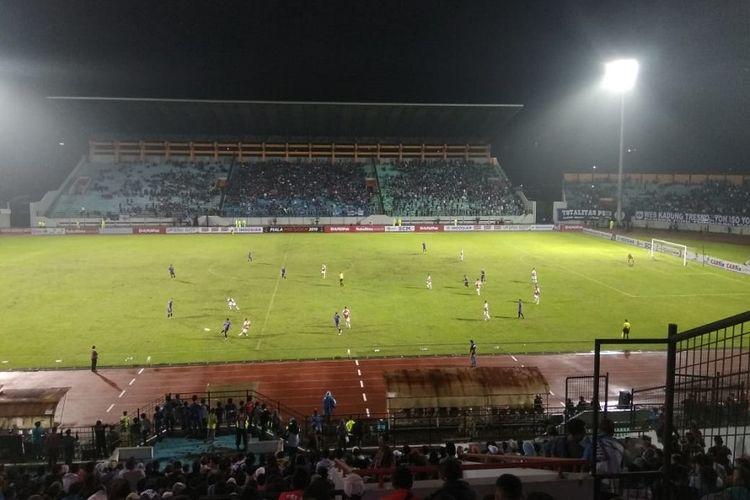 Suasana pertandingan antara PSIS vs Persipura Jayapura pada laga Piala Presiden 2019, Rabu (6/3/2019).