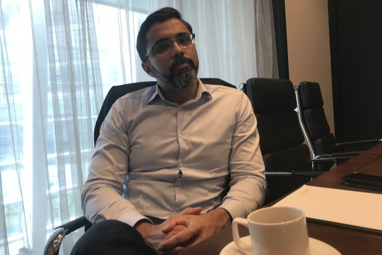 CEO Lixil Asia Pacific, Bijoy Mohan saat diwawancarai di Shanghai, China.