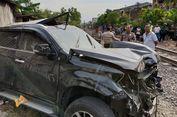 Satu Keluarga Tewas Ditabrak Kereta Api, Anak Ditemukan Terpental Keluar Mobil