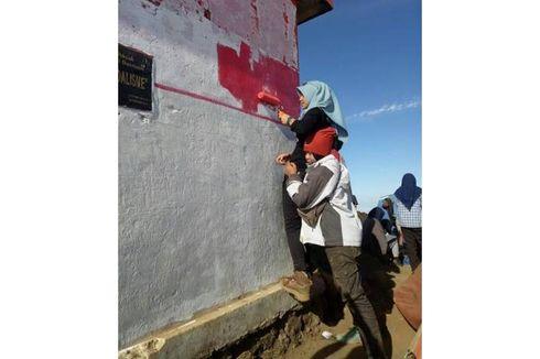 Pendaki dan Pecinta Alam Bersihkan Vandalisme di Gunung Cikuray