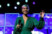 Alicia Keys Cantik dengan Tampilan Tanpa Makeup di Ajang Grammy
