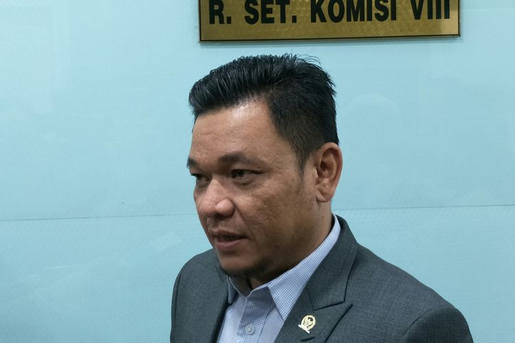 Ace Hasan Syadzily di Kompleks Parlemen, Senayan, Jakarta, Senin (26/10/2018)