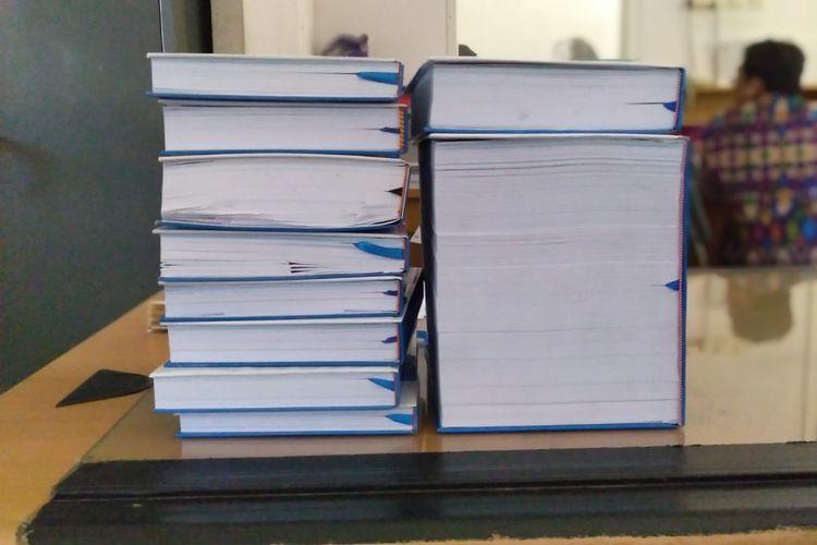 Muharom Gani Irwanda, mahasiswa ITS yang mengerjakan skripsi dengan tebal 3.045 halaman.