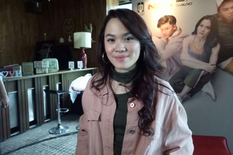 Sheryl Sheinafia saat jumpa pers peluncuran Sweet Talk di kawasan Kuningan, Jakarta Selatan, Rabu (6/12/2017).