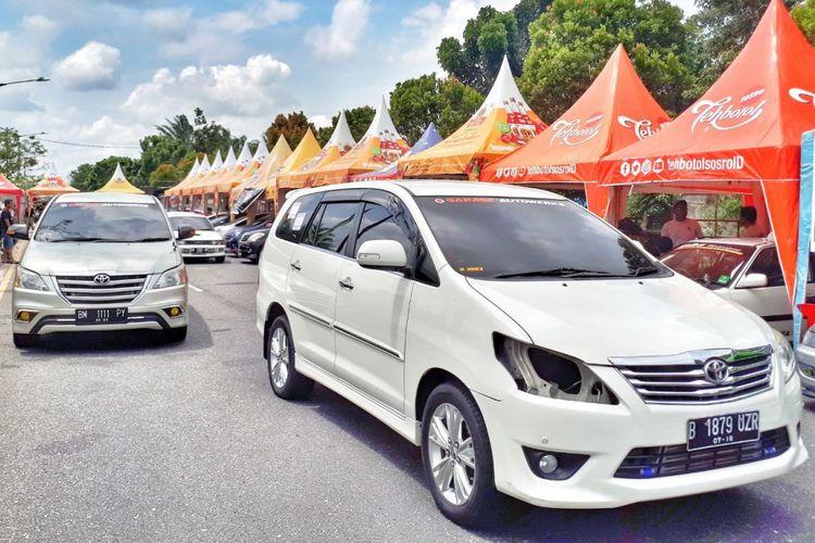 Innova Community (IC) mengikuti ajang drag race di Riau.
