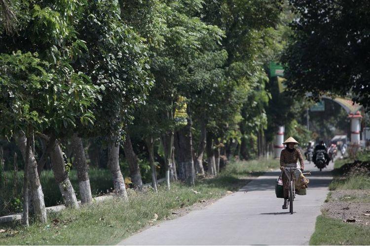Akses jalan menuju kampung wisata Burung Hantu, Tlogoweru, Kecamatan Guntur, Kabupaten Demak, Jawa Tengah.