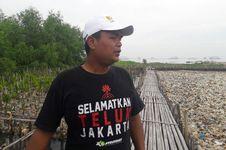 Tekad Komunitas Mangrove 'Me-mangrove-kan' Pesisir Jakarta