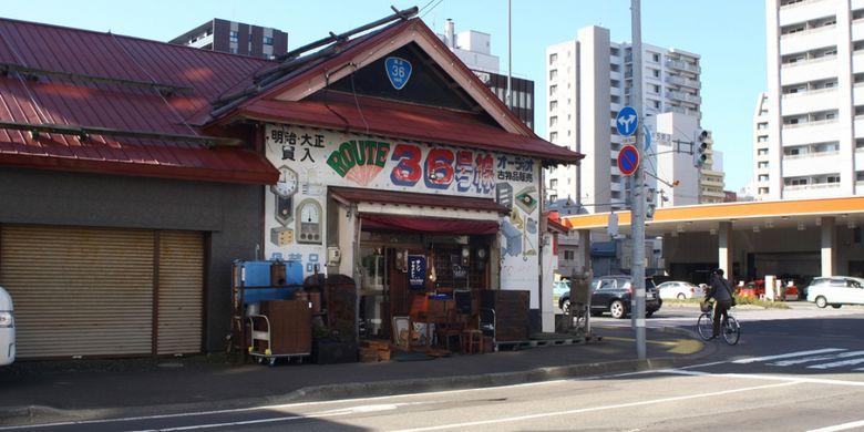 Toko barang antik ?Route 36