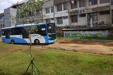 Jalur Transjakarta Koridor 13 di Puri Beta Rusak