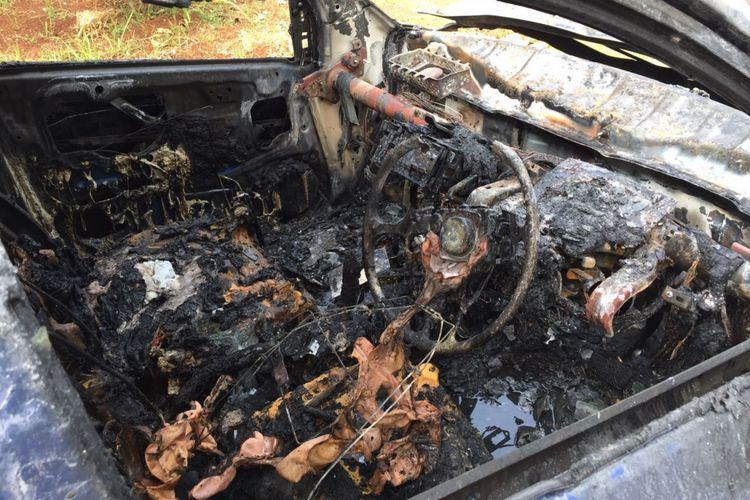 Honda Brio kebakaran di Grand Wisata