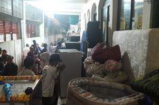 Dinsos DKI Sebar 1.800 Kotak Makanan untuk Korban Banjir