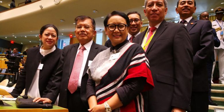 Menko PMK Puan Maharani bersama delegasi Republik Indonesia lainnya, Wakil Presiden Jusuf Kalla dan Menteri Luar Negeri Retno Marsudi dalam High Level Meeting on Global Peace di Markas Besar PBB di New York, Senin, 24 September 2018.
